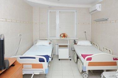 Для максимального комфорта после операций пациенты размещаются в уютных двухместных палатах